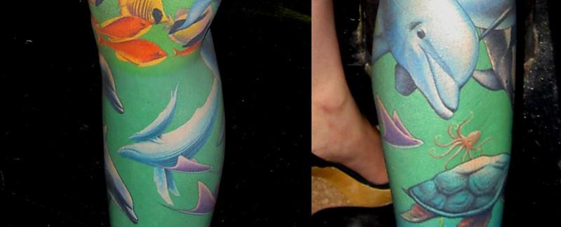 underwater-leg-tattoo-dolphins-sea-turtles-by-tim-hendricks